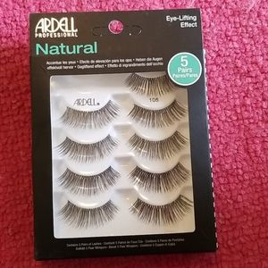 Natural Oogliftend effect be Ardell Professional